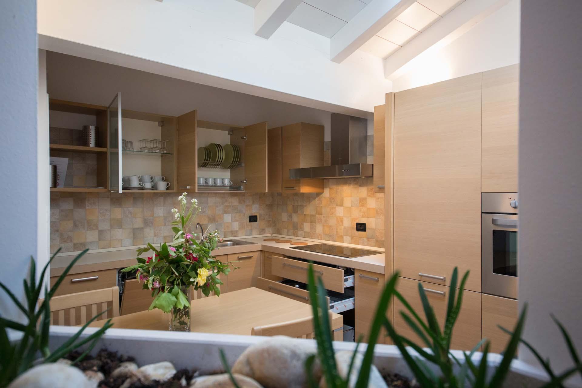Appartamenti miralago hotel residence appartamenti for 2 camere da letto 2 bagni