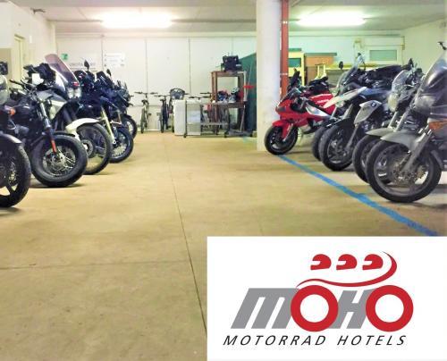 MOHO - MOTORRAD HOTELS!